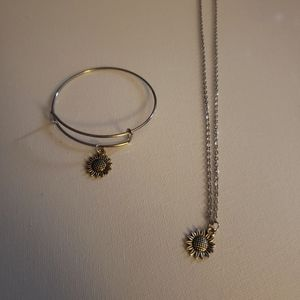 Silver color necklace and bangle sunflower set